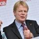 DGB-Chef fordert mehr Schutz und Respekt fürBetriebsräte