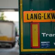 Lang-Lkw