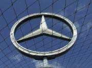 ROUNDUP: Schwaches Lastwagengeschäft drückt auf Daimlers Umsatzerwartungen
