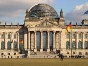 ROUNDUP/Kreise/Überraschungssieg für Brinkhaus: Kauder stürzt als Fraktionschef
