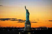 ROUNDUP/Aktien New York Schluss: Tech-Werte mit weiteren Rekorden - Dow verliert
